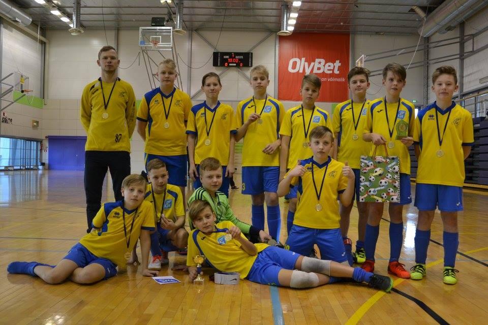 12dad895b7e 2004 – 1) Läänemaa JK I (pildil), 2)Lõuna-Läänemaa JK, 3) Nõmme Kalju FC